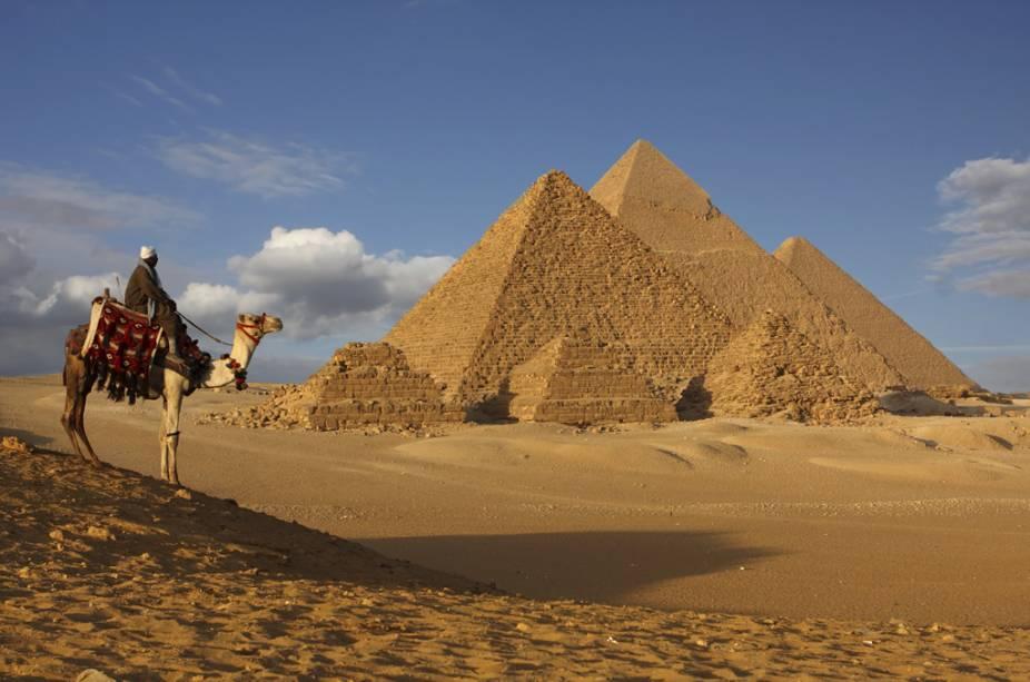 descubra 15 lugares onde o real vale mais do que a moeda local como o Egito