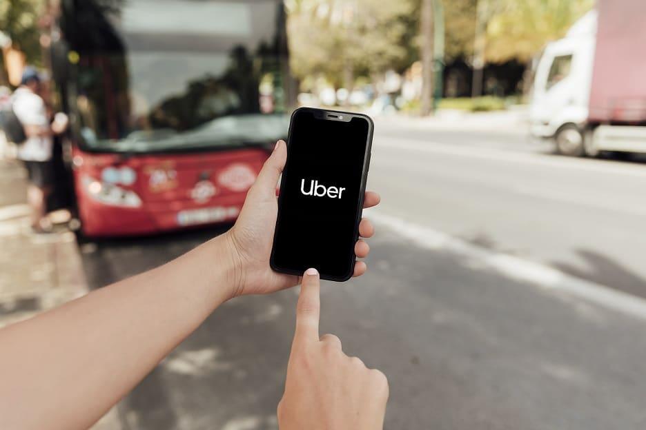 melhor aplicativo para se locomover: uber ou lyft?