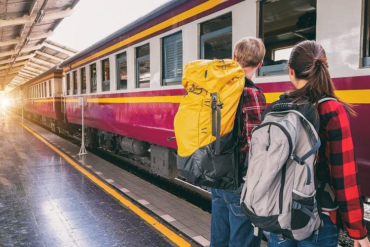 faça novas amizades ao viajar sozinha